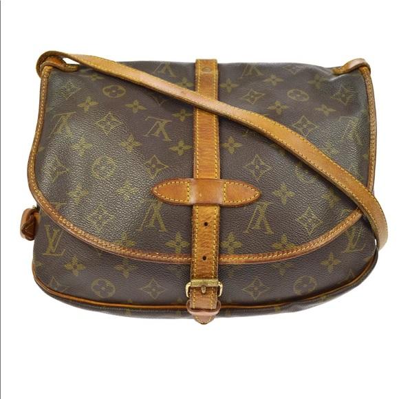 3c719954c06b Louis Vuitton Handbags - Authentic Louis Vuitton Saumur 30 Messenger